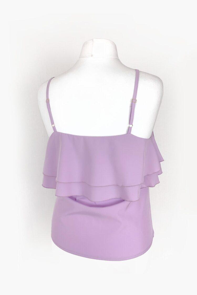 Šviesiai violetinė pastelinė palaidinė ant petnešėlių