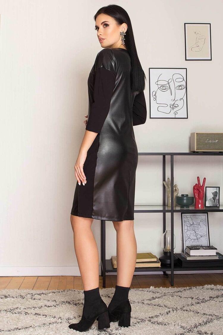 Juoda suknelė su kišenėmis iš dirbtinės eko odos ir trikotažo