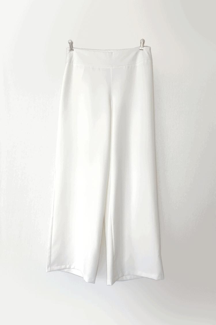 Baltos palacco tipo plačios kelnės