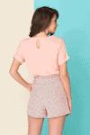 Vasariniai lengvi taškuoti rožiniai šortai su diržu
