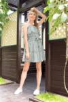 dryžuota vasarinė suknelė atvirais pečiais