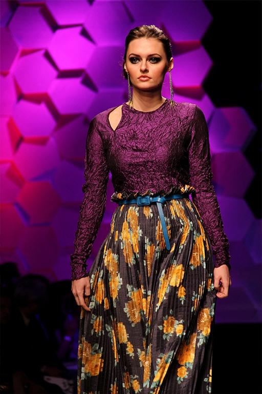 margas ilgas gėlėtas gofruotas klostuotas sijonas su diržu vasara
